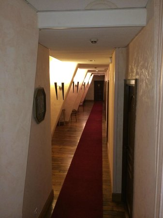 Hotel des Prelats: Couloir au 3ème