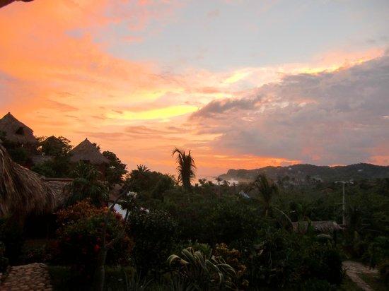 Villa Escondida: Puesta del sol en Villa