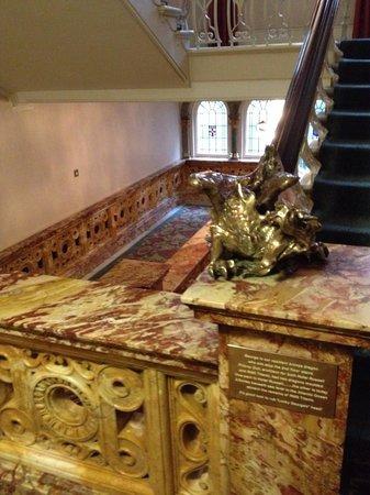 The Principal London : George the pet dragon