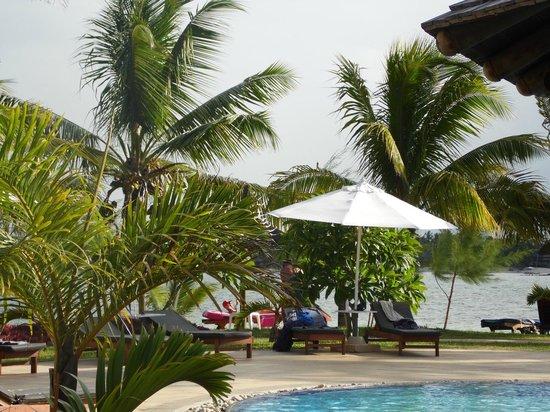 Jalsa Beach Hotel & Spa - Mauritius: Pool/beach area