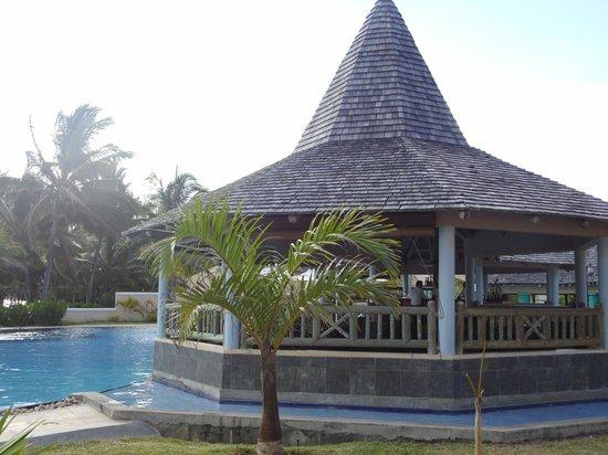 Jalsa Beach Hotel & Spa - Mauritius: Pool area