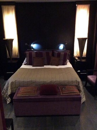 Baglioni Hotel London: bed