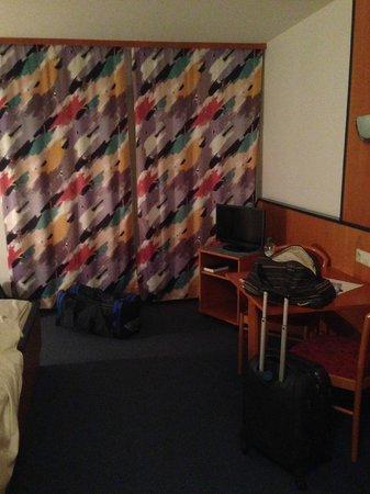 Sporthotel Sonnenhof: Room