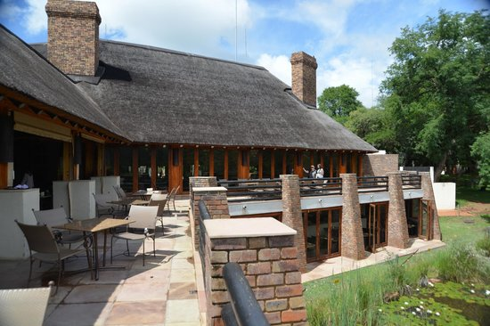 Kwa Maritane Bush Lodge : The verandah..