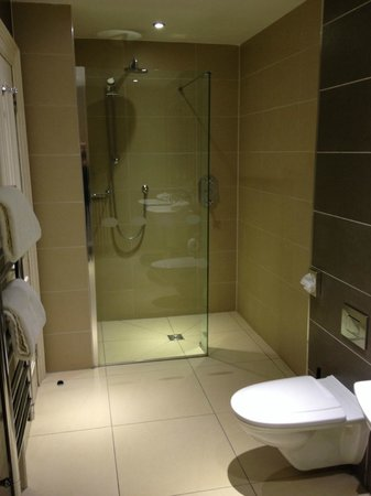 Walk in Shower - Picture of Crieff Hydro Hotel and Resort, Crieff ...