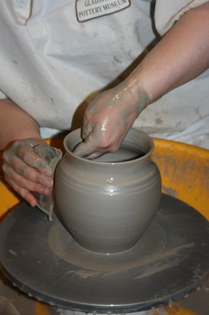Gladstone Pottery Museum : A close-up look