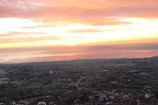 Emmaus - Albergo del bosco: Il sorgere del sole