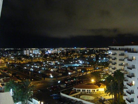 SENTIDO Gran Canaria Princess: kvällsvy från vårat hotellrum..