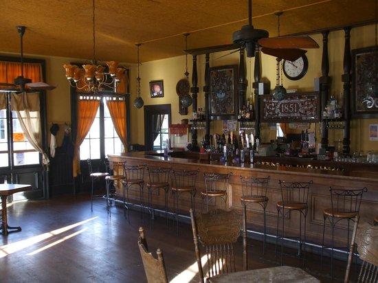 The Historic Hotel Leger: Historic Bar