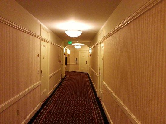 InterContinental Mark Hopkins San Francisco: Hallway