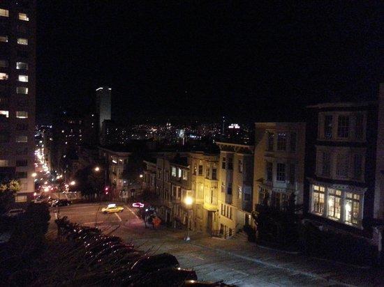 InterContinental Mark Hopkins San Francisco: Looking Down Perkins St. from Hotel