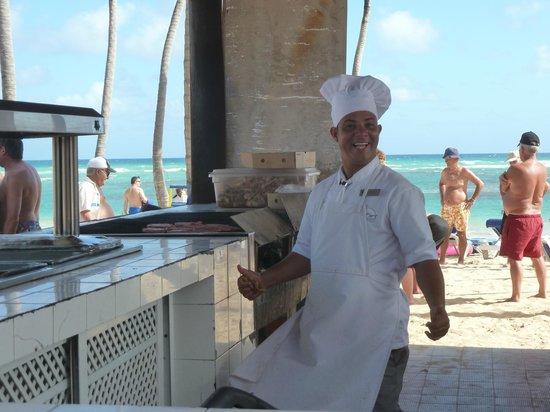 Sirenis Punta Cana Resort Casino & Aquagames: buffet de la plage