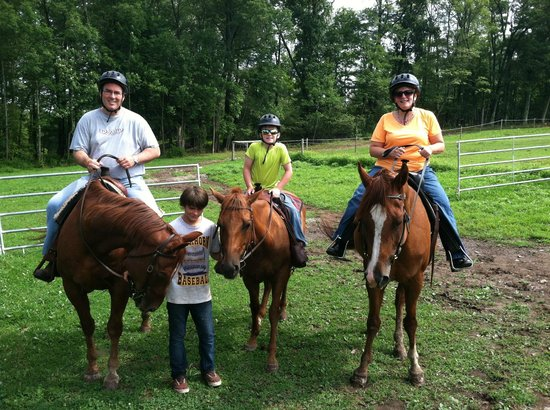 Vanderbeek Stables - Private Rides : Banjo, Jellybean and Winnie were our horses.