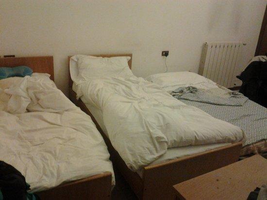 Albergo Ristorante Valtellina : il 3° letto era un materasso a terra...