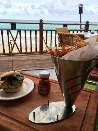 The Naked Fisherman Bar and Grill : Nice views & great food