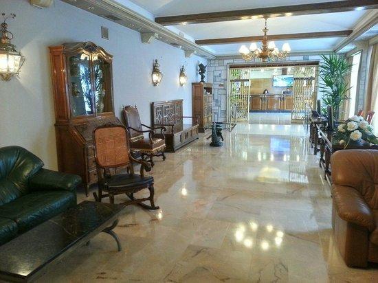 Gran Hotel Delfin: Zona de acceso a los salones.