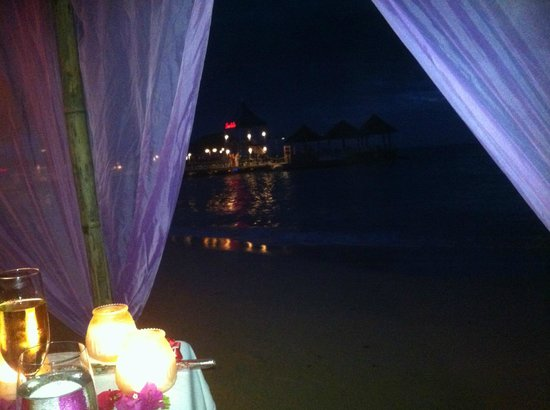 Sandals Ochi Beach Resort: candlelight dinner