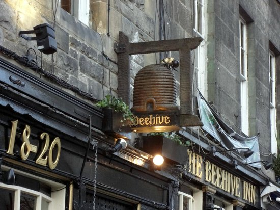Steak and ale pie. Yum! - Picture of Beehive Inn ...
