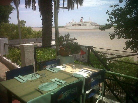 Bajada Espana: Historica visita de un crucero holandes a la ciudad