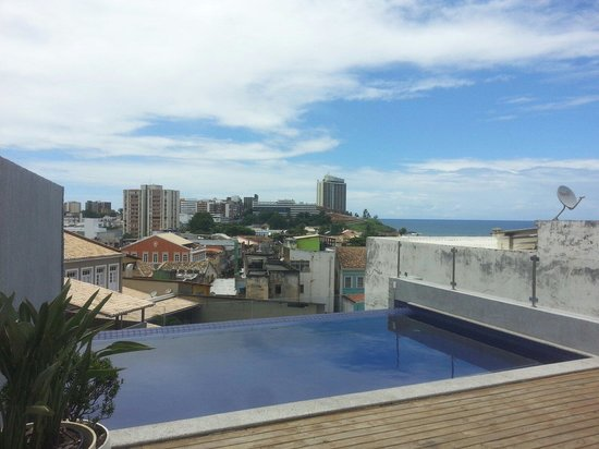 The Hostel Salvador: Swimming pool on the rooftop