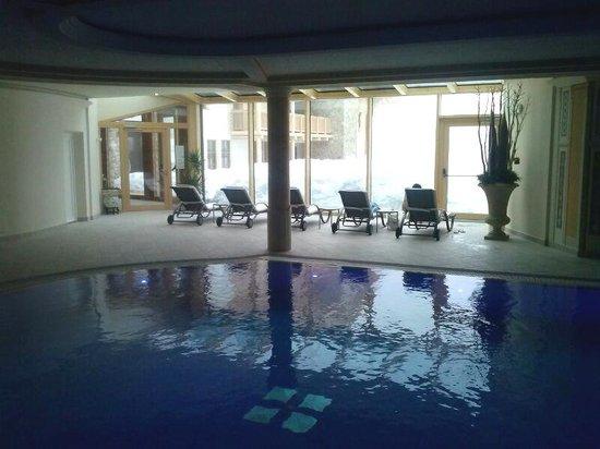 Hotel Portillo Dolomites 1966': Swimming pool