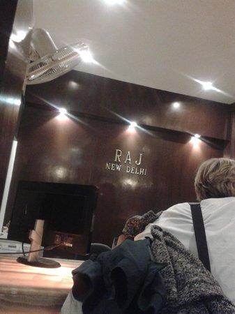 FabHotel Raj Paharganj : reception