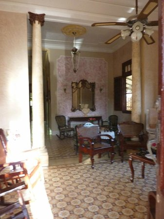 Casa Particular Carmen: lovely colonial style home