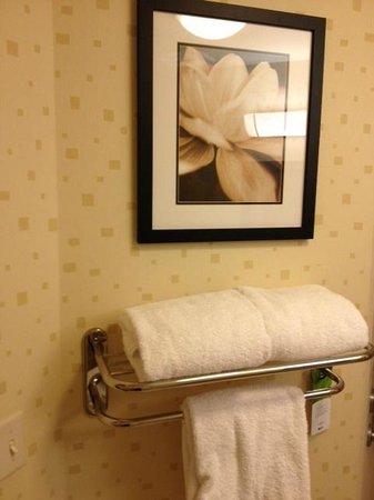 SpringHill Suites Portland Vancouver : bathroom photo