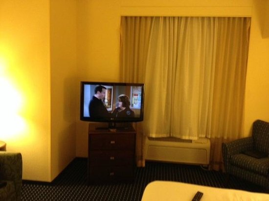 SpringHill Suites Portland Vancouver : nice flat screen tv