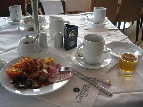 Corinthia Hotel Prague : 조식뷔페. 역시 여행의 꽃은 호텔조식:)