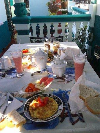 Casa Anay & Efrain: colazione in terrazza