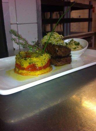 L'assiette provencale: Cœur de faux filet Mirabeau sablé de tomate provençal