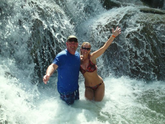 Dunn's River Falls and Park: Great, Wet Fun!