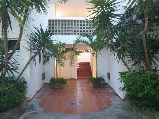 LD Le Flamboyant: Acceso a las habitaciones