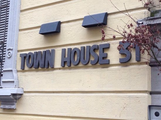 TownHouse 31: Entry sign