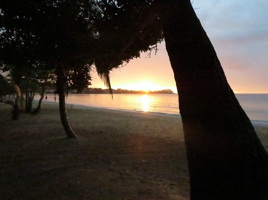 Couples Negril : Beach
