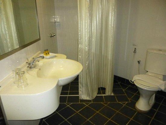 Hotel Summer View : Bathroom