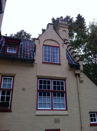 Hotel Egmond : Our window