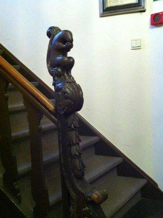 Hotel Egmond : Squirrel banister