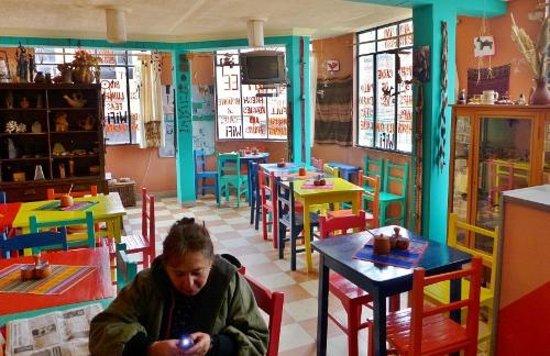 Inside cafe Bistrot
