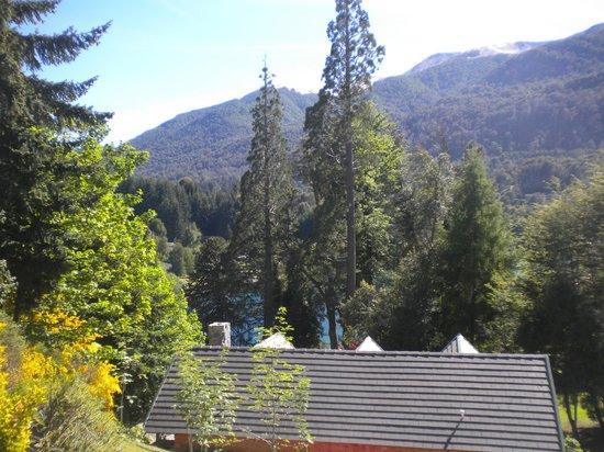 Aldea de los Andes: El lago casi ni se ve