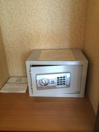 Blue Diamond Hotel: Newly installed in-room Safety Deposit Box
