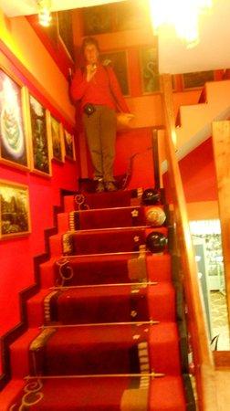 El Mistico Machupicchu: Stairs to the hotel