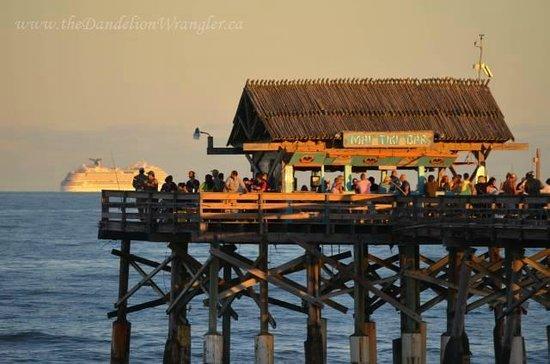 La Quinta Inn & Suites Cocoa Beach Oceanfront: So close to the pier.