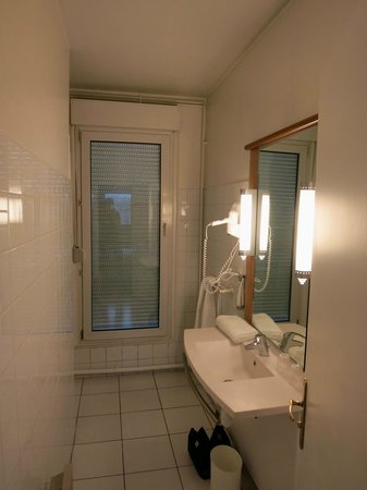 Ibis Nancy Sainte Catherine: Badezimmer