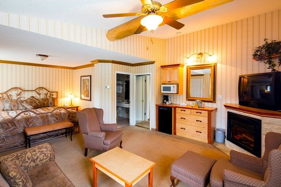 Mount Robson Inn : Whistler Suite with King Bed