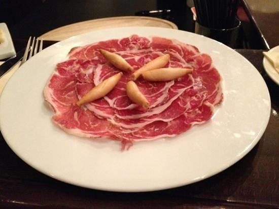 Lola Spanisches Tapas Restaurant: jamon iberico