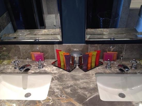 Kimpton Nine Zero Hotel : great toiletries