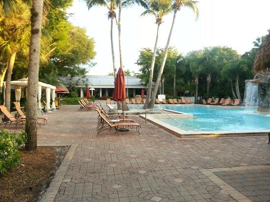 Bonaventure Resort & Spa: view to the lobby area