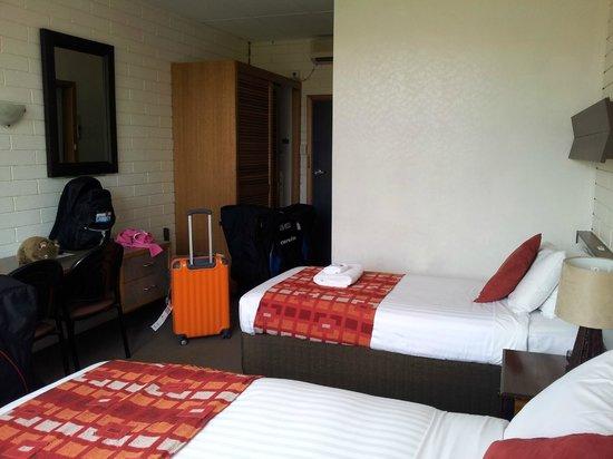 Bedroom Facing Door Picture Of Parkside Motel Geelong Belmont - Bedroom furniture geelong
